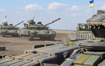 Обнародованы видео отвода танков на Луганщине