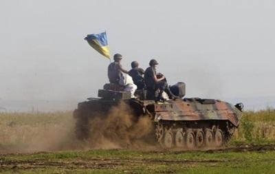 Силовики заявили о полном отводе танков на Луганщине
