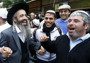 Янукович поздравил иудеев с праздником Хануки