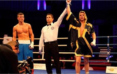 Украинец Голуб нокаутировал доминиканского боксера