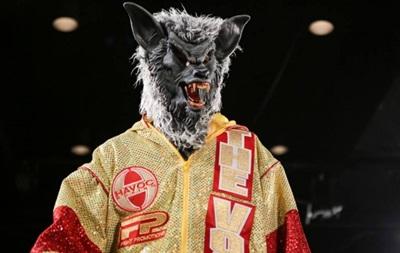 Украинский боксер на ринг вышел в страшной маске волка