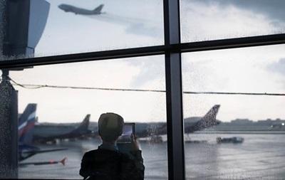 Украина объявила о закрытии авиасообщения с РФ