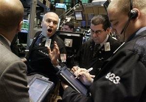 Рынки: Индексы снижаются под давлением внешней информации