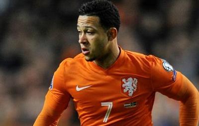 Игрок сборной Голландии сыграл в неправильной футболке в матче отбора Евро-2016