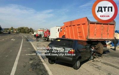 Под Киевом восемь машин попали в ДТП