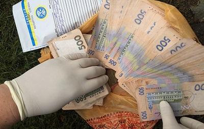 Тернопольский чиновник попался на крупной взятке