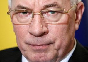 Вступительная кампания: Азаров вынес Табачнику предупреждение
