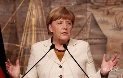 Меркель: Россия должна пресечь применение бочковых бомб в Сирии
