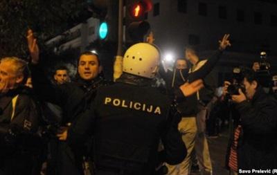 Полиция применила слезоточивый газ против протестующих в Черногории