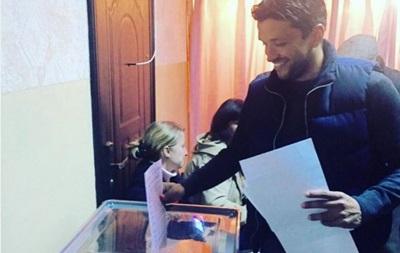 Отдал голос: Эдмар впервые проголосовал в Украине