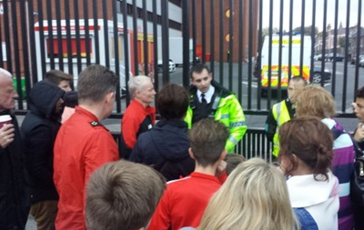 На стадионе Ливерпуля во время экскурсии пропал человек