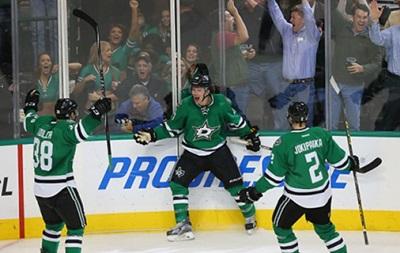 NHL: Лос-Анджелес добывает шестую победу и другие матчи дня