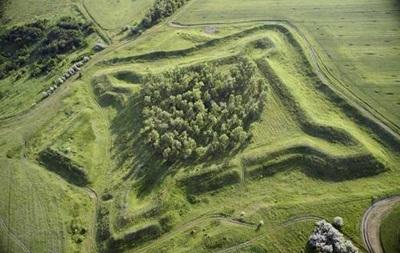 На Харьковщине фермер уничтожил историческую памятку XVIII века
