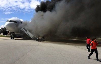 Во Флориде загорелся самолет с пассажирами: есть пострадавшие