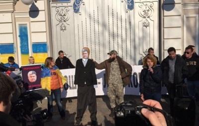 У Порошенко отреагировали на пикет под домом президента