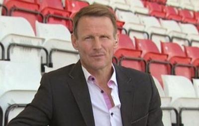 Легенда английского футбола возобновляет карьеру в 49 лет