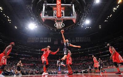 NBA: Победы Хьюстона, Милуоки и Сан-Антонио, Чикаго уступает в овертайме