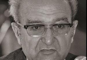 От христианства до ислама через коммунизм: во Франции умер известный философ Роже Гароди