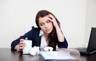 Ученые объяснили стремление людей работать больными