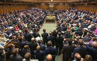 Британские женщины-депутаты хотят кормить грудью в зале заседаний