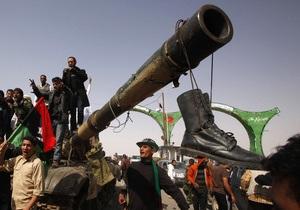 Бои в Ливии: мятежники прорвались к нефтяному порту Эль-Бурайка и отбили Марса-эль-Брега