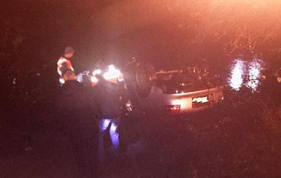 На Закарпатье авто слетело в реку: погибли четыре человека