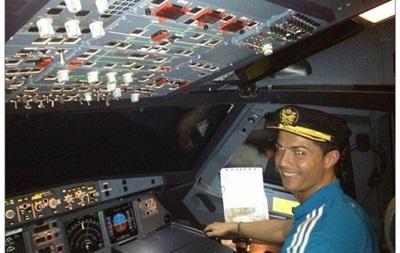 Криштиану Роналду купил самолет за 19 миллионов