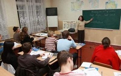 Под Харьковом психически больной напал на школу