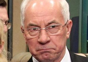 Азаров не намерен брать отпуск на период избирательной кампании