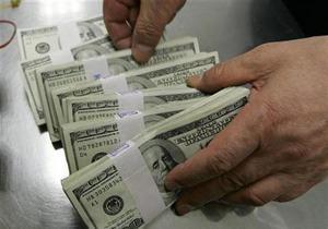 Межбанк закрылся незначительным ростом курса доллара