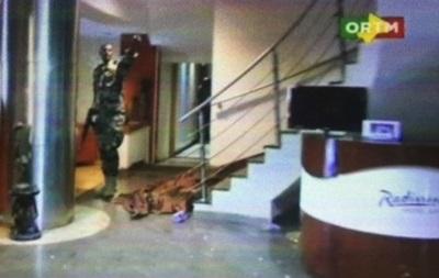 СМИ: Спецназ США освободил шестерых американцев в отеле Мали