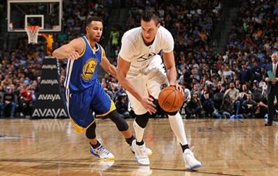 NBA: 15-я кряду победа Голден Стэйт, поражения Финикса и Бостона