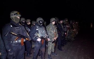 Силовики сообщают о танках РФ возле границ Крыма