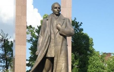 Во Львове пропала скульптура Степана Бандеры