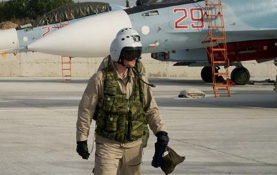 Пилот сбитого Су-24 не найден
