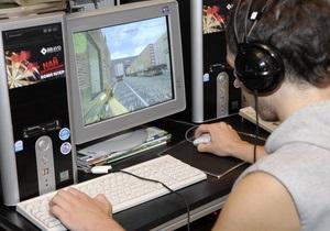 Исследование: Украинские подростки ежедневно проводят по пять часов у компьютера