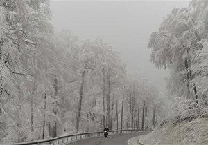 Сильные снегопады парализовали Западную Европу
