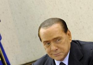 Берлускони намерен выдвинуть переполненный мигрантами остров на Нобелевскую премию мира
