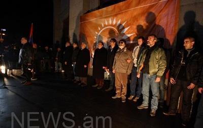 Активісти провели ніч сидячого протесту у Вірменії