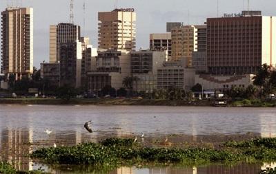 В деревне Кот-д'Ивуара неизвестные убили 11 человек