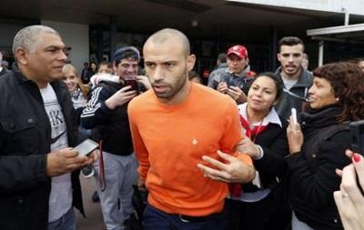 Игрок Барселоны Маскерано осужден на год за неуплату налогов