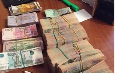 В Киеве  накрыли  подпольный обменник с миллионным оборотом