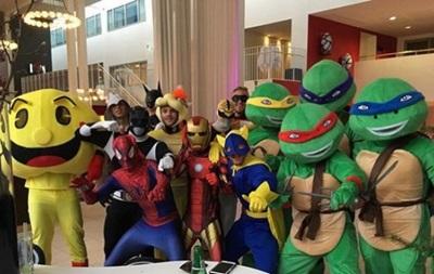 Черепашки-ниндзя и человек-паук: Игроки Лестера повеселились в Дании