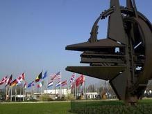 Эстония выпустила для Украины книгу о НАТО