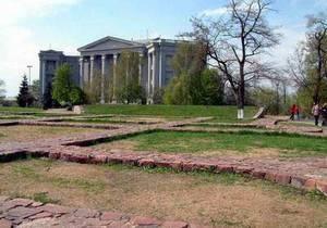 Возле фундамента Десятинной церкви в Киеве начали строительство