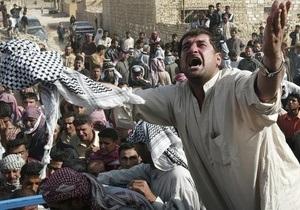 В Ираке террористы взорвали пикап на футбольном поле: 25 человек погибли