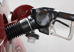 Ъ: В Украине начали расти цены на бензин