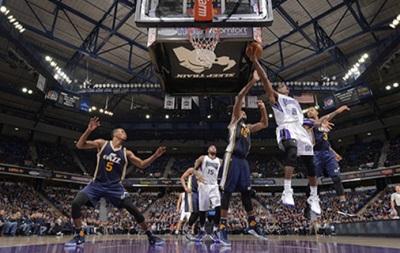 NBA: 23-я кряду победа Голден Стэйт, неудачи Денвера и Мемфиса