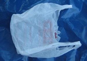 Ученые: Пластиковые пакеты переносят кишечную палочку и сальмонеллу