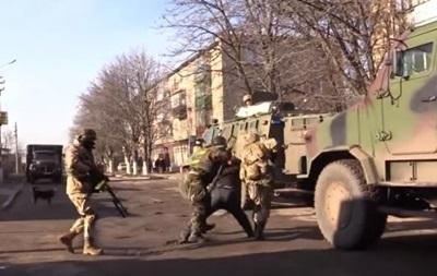 Зачистка  в Красногоровке: появилось полное видео